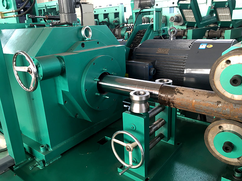 Automatic Round Bar Rod Tube Peeling Machine